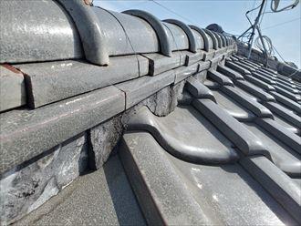 瓦屋根の棟のモルタルの剥がれ