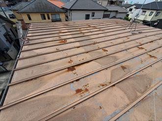 瓦棒屋根の劣化により雨漏りが発生
