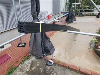 棟板金交換工事にて下地材の貫板にタフモックを使用