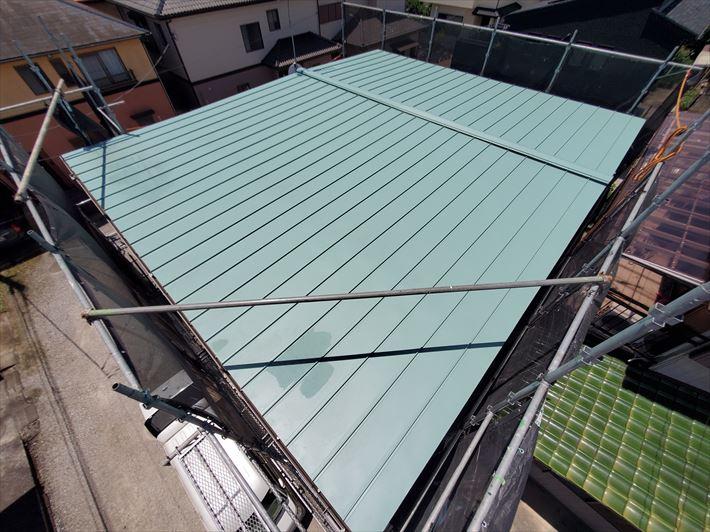 スタンビーを使用した屋根葺き替え工事が完了、雨漏り解消
