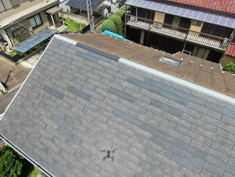 屋根は部分的に色が異なっていました