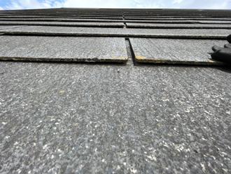 屋根材が反ってしまっています