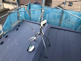 屋根カバー工事にて棟板金を設置