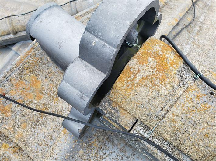 鬼瓦に隙間ができると雨漏りに繋がります
