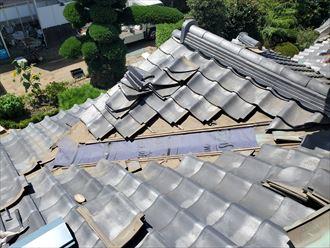谷板金交換工事にて防水紙敷設