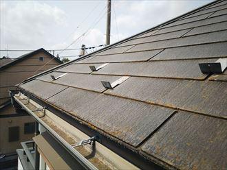 スレート屋根の塗膜の剥がれにより防水性が低下