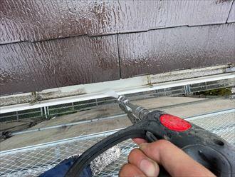 浦安市海楽にて行った屋根塗装工事にて高圧洗浄の様子