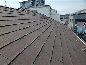 防水性が低下しているスレート屋根の調査