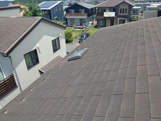 天窓付きのスレート屋根を調査