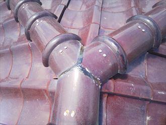 棟取り直し工事にて棟の継目をシーリング処理