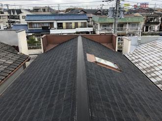 築34年が過ぎ軽量な屋根にリフォームを検討しているお客様邸のスレート屋根