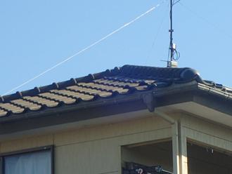屋根を地上から確認