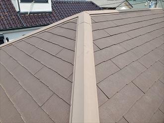スレート屋根の防水性が低下して苔が発生