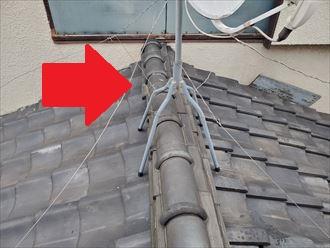 下屋根の棟の歪み