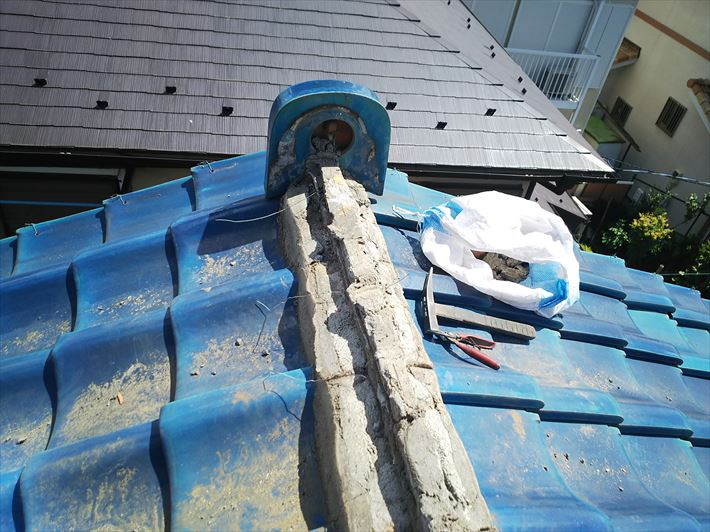 棟取り直し工事にて既存の棟を解体撤去