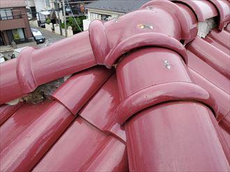 流山市向小金で行った瓦屋根調査で瓦がズレて雨水が