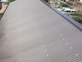 金属製の波板の屋根材