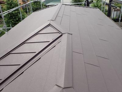 袖ケ浦市にてスーパーガルテクトによる屋根葺き替え、外壁塗装・軒天補修・雨樋交換もまとめて行い足場代を節約!