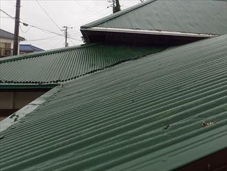 波板屋根材