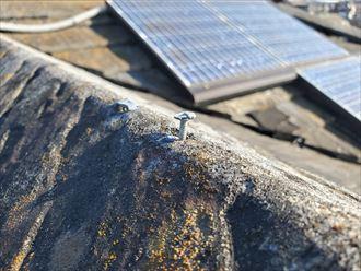 棟瓦を固定している釘の浮き