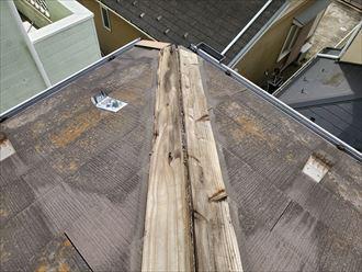 棟板金の下地材の貫板の腐食