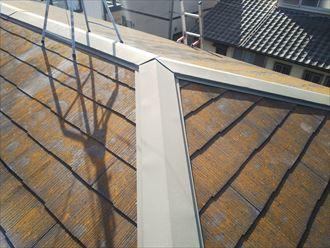 市原市南国分寺台にて築25年が経過したスレート屋根の棟板金交換工事を実施、貫板には樹脂製貫板のタフモックを設置ビフォー