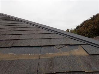 市川市塩焼で行ったコロニアル屋根の調査で屋根材のコロニアルがひび割れて落下