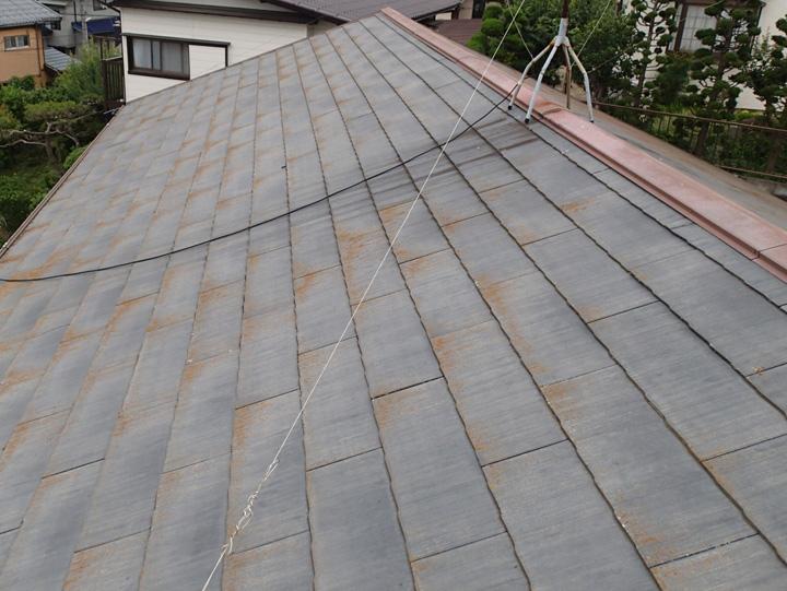 八街市泉台にて台風後の点検を実施、棟板金交換と屋根塗装をご提案。