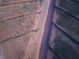 野田市岩名で行った化粧スレート屋根の調査で化粧スレートのズレを発見