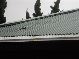 屋根材のたわみ
