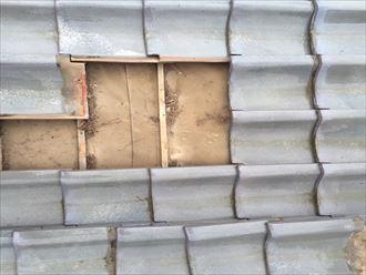 瓦の下の防水紙