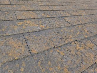 スレート屋根材の経年劣化