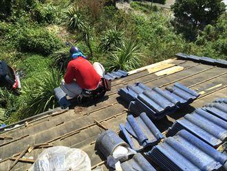 夏の屋根工事