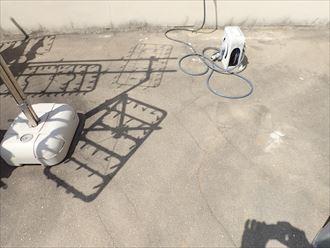 松戸市栗山で行った屋上陸屋根調査で放置して拡がったひび割れ