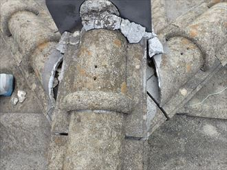 セメントで固定されていた瓦