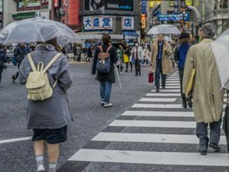 雨の交差点