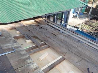 野地板の撤去