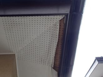 袖ケ浦市 屋根点検 軒天の剥がれ