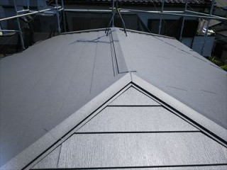 四街道市でスーパーガルテクトによる葺き替え工事とラジカル制御型塗料での屋根塗装実施アフター