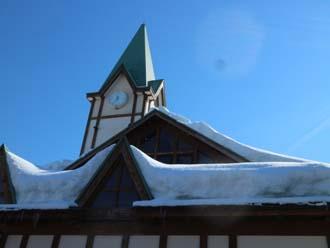 屋根の上の積雪