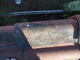 屋根の補修工事 部分葺き直しと谷板金の塗装001_R