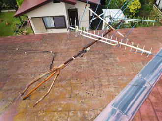 台風 アンテナ倒壊 スレート屋根点検