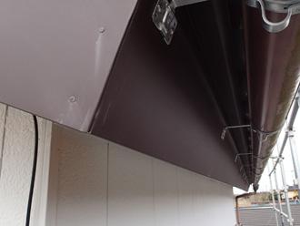 破風板と鼻隠しの板金巻き工事