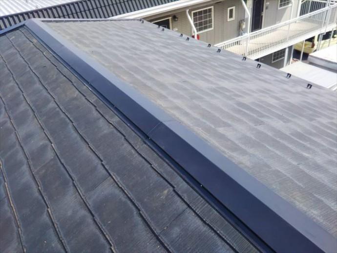 浦安市弁天で行った樹脂製貫板のタフモックを使用した棟板金交換工事が完了です