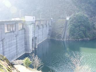 取水場となるダム