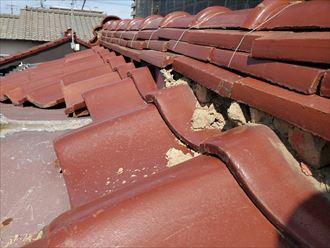 台風15号の強風の影響により漆喰が剥がれています