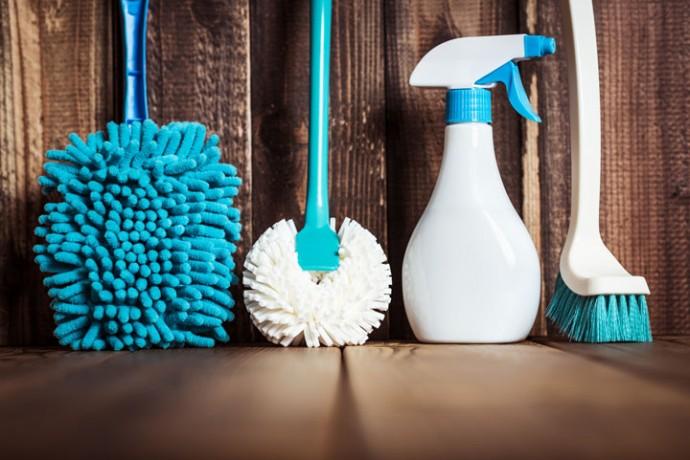 掃除用具を揃えて大掃除開始