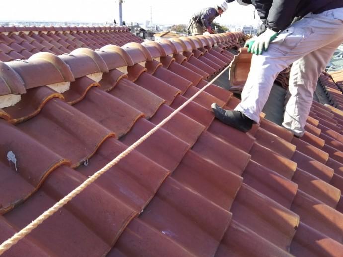 土葺きからの屋根葺き替え工事 瓦を設置