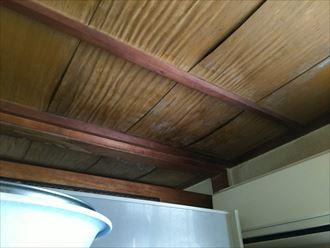 化粧スレートへの補修を行った事で、雨漏りを誘発|木更津市