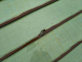 君津市 金属屋根材の腐食